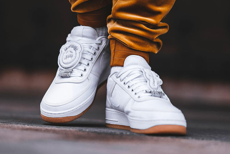 hot sale online 8130d 4db76 Travis Scott's Air Force 1, On Foot Look | HYPEBEAST