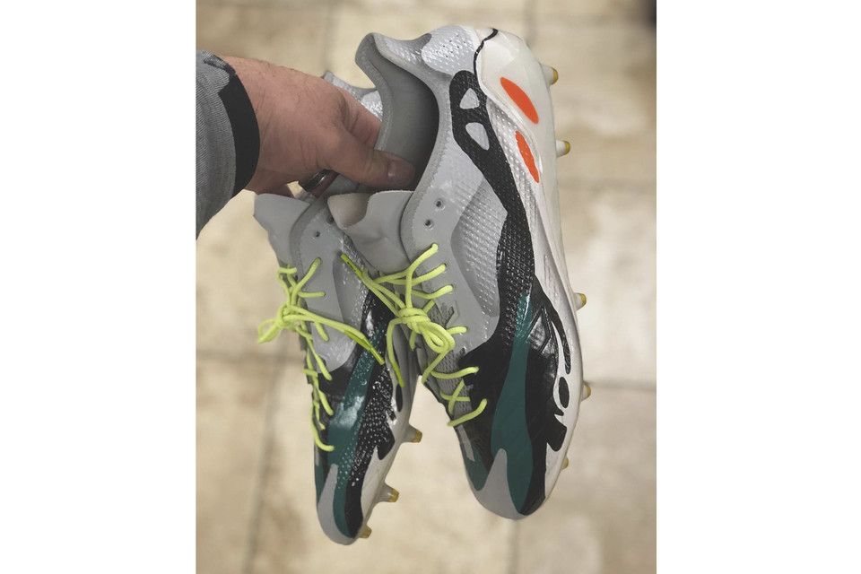 3af3799485 adidas YEEZY Wave Runner Custom Cleats by Mache