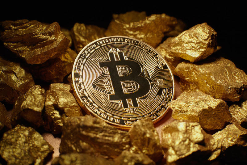 Bitcoin Drops 40% In One Day 19,000 11,000 Cryptocurrency Market Ethereum Coinbase Blockchain