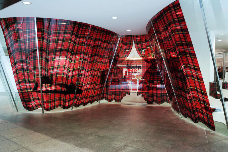 Novesta x COMME des GARÇONS Holiday Installations Continue collaboration retartan tartan re energy Christmas collection 2017 plaid checkered print shoes dress shirt red cheque