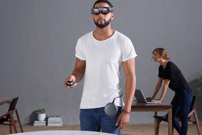 Magic Leap Augmented Reality Goggles One Creator Edition startup lightwear lightpack control 2018 software virtual debut release