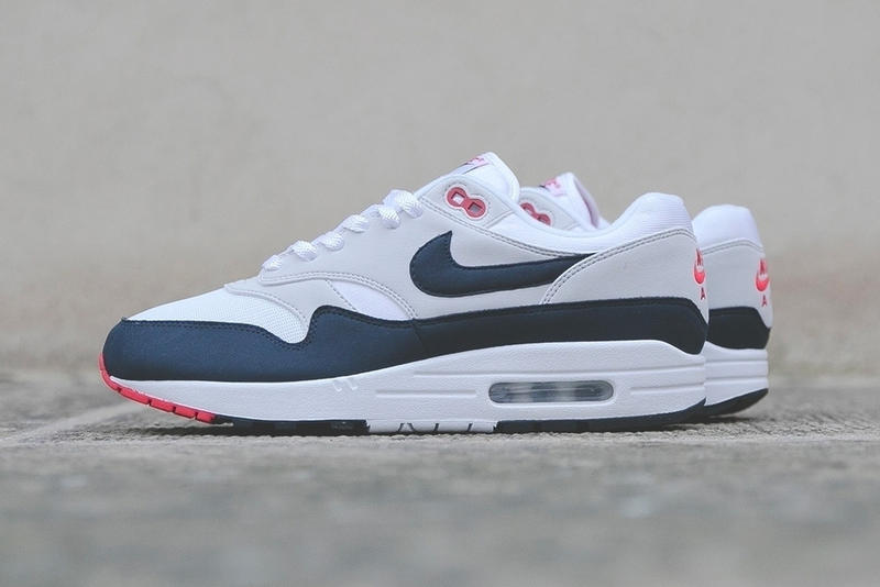 finest selection 1d8d8 c16dc Nike Air Max 1 OG Obsidian Release Date 2017 December retro closer look