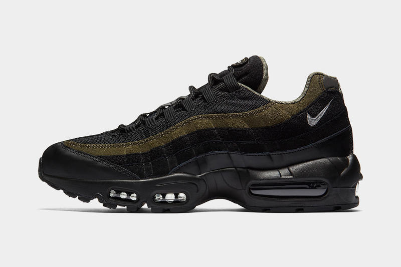 b724a8aa36 Nike's