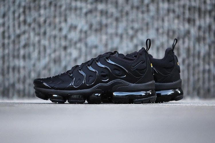 huge discount 76ead f316b Nike Air VaporMax Plus