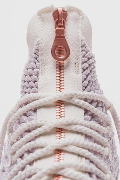 Ronnie Fieg Nike LeBron 15 Long Live the King kith strap straps laceless black white grey red