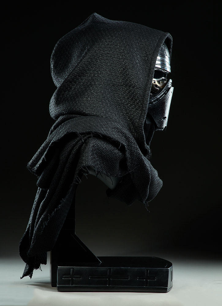 Star Wars Kylo Ren Life-Size Bust Slideshow Toys The Last Jedi