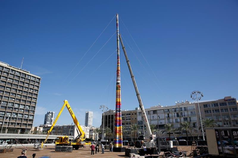 cancer Tel Aviv Community Builds Tallest Lego Tower  8-year old boy LEGOs blocks toys design colors Israel middle east memoriam