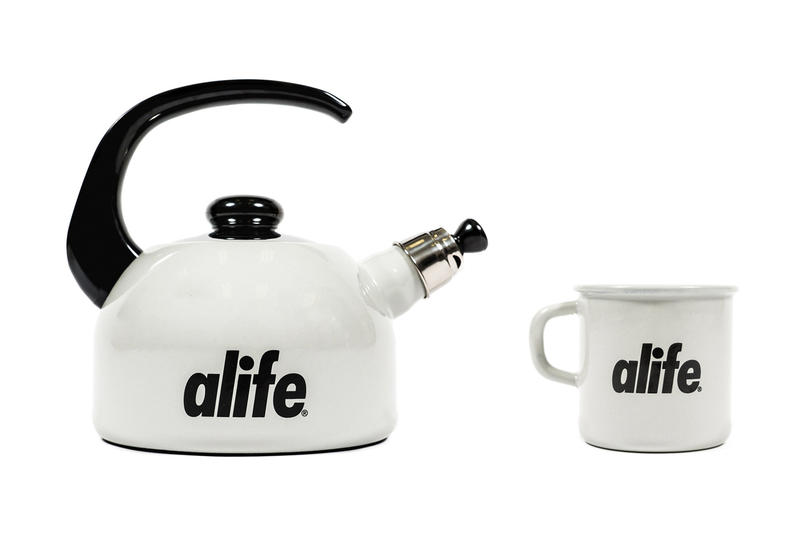 Alife & Riess Present Enamel Home Goods Kettle Mug Gift Winter Hot Chocolate Kitchenware Wedding Registry Kitchen Essentials