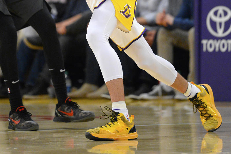 Big Baller Brand ZO2 Prime Remix Yellow Lonzo Ball Los Angeles Lakers Home Game Debut
