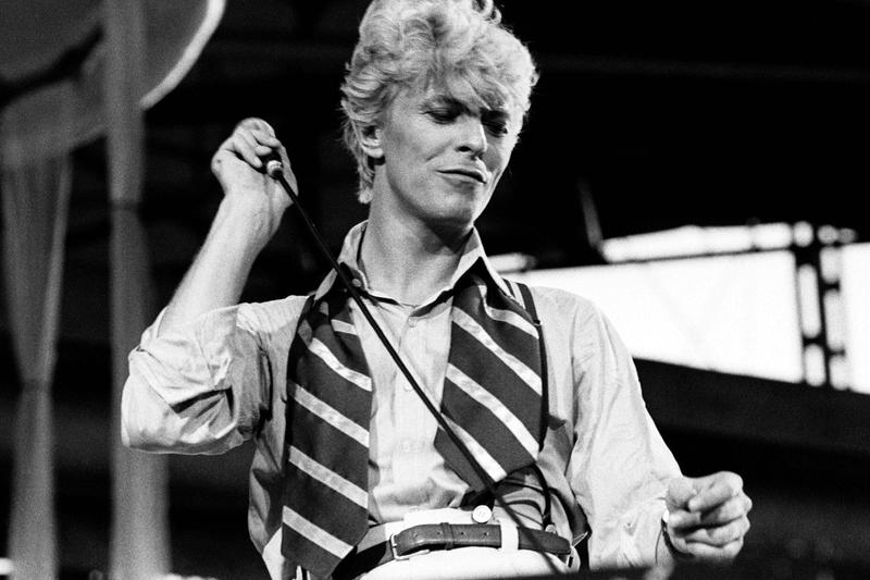 david-bowies-albums-take-over-itunes