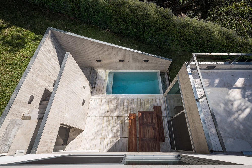 LRC House San Isidro Architecture Design Reinforced Concrete Natural Ravine Swimming Pool BDB Architects