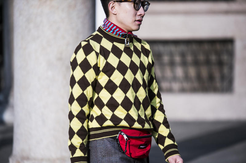 Milan Fashion Week Fall/Winter 2018 Street Style day 2 streetsnaps supreme louis vuitton off white burberry gosha prada margiela
