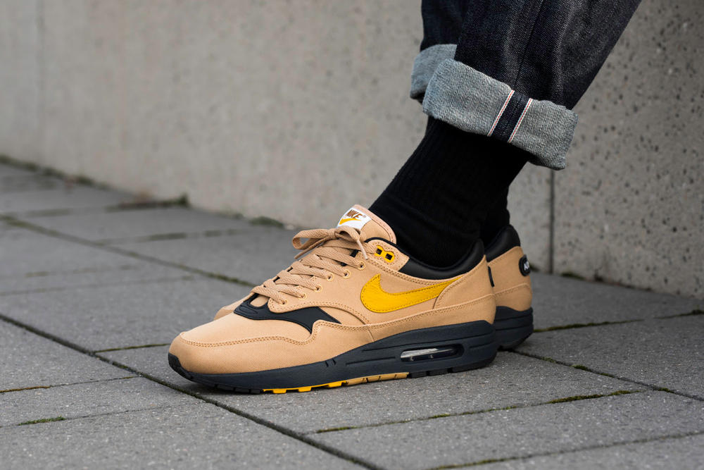 Nike Air Max 1 93 Logo Pack On Foot Feet Snow Beach 2018 January 11 Release Date Info Sneakers Shoes Footwear Overkill Berlin