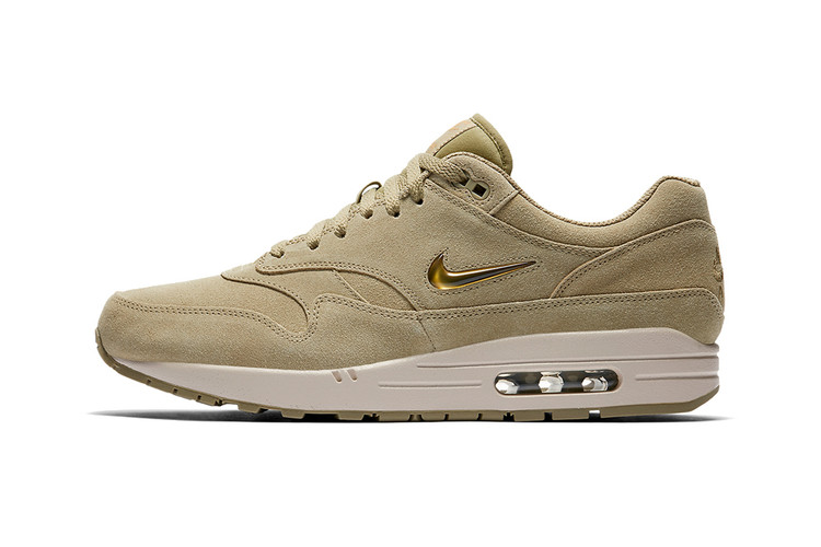 outlet store de955 39e7d Nike s Air Max 1 Jewel Gets Dipped In