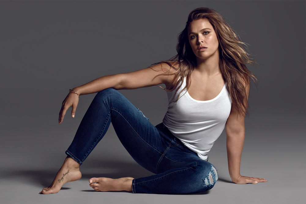 Ronda Rousey Signs WWE Contract Royal Rumble 2018 January UFC MMA Wrestling