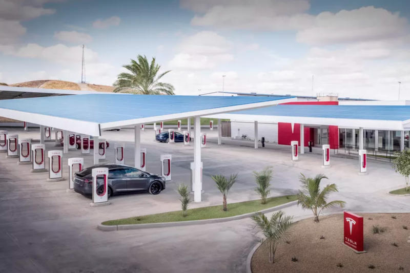 Elon Musk To Launch a Drive-In Restaurant in LA