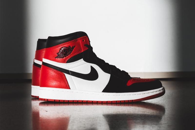 buy online d086c 5cc30 Air Jordan 1 Bred Toe Nike Early Access Release Brand Red Black White