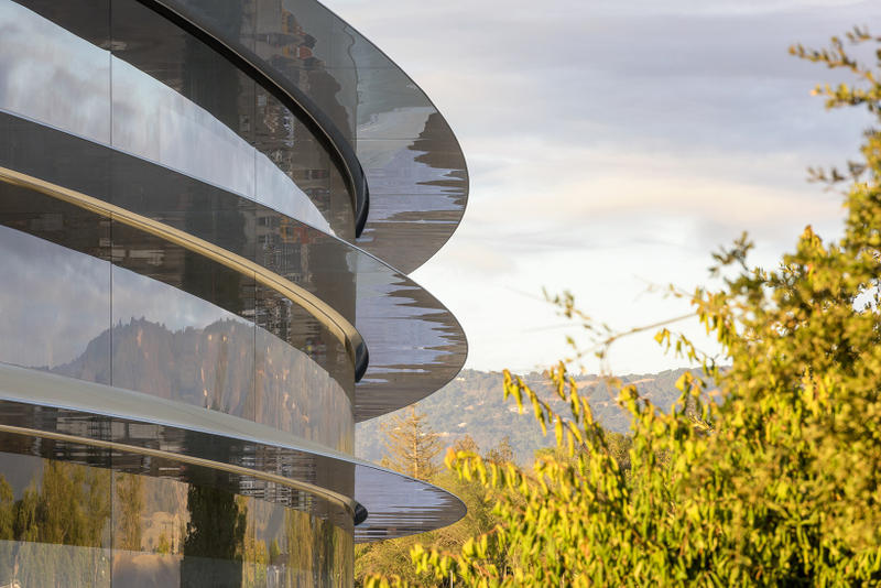 Apple Employees Running into Spaceship Glass Walls cupertino campus HQ headquarters office