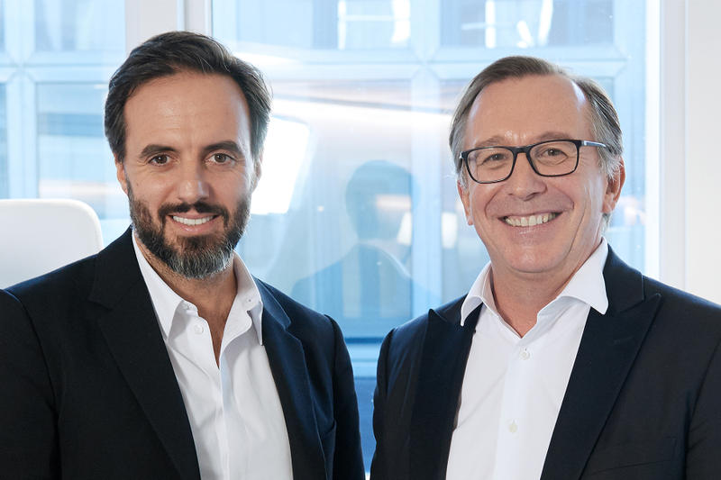 Farfetch Chanel innovation partnership deal augmented retail experience