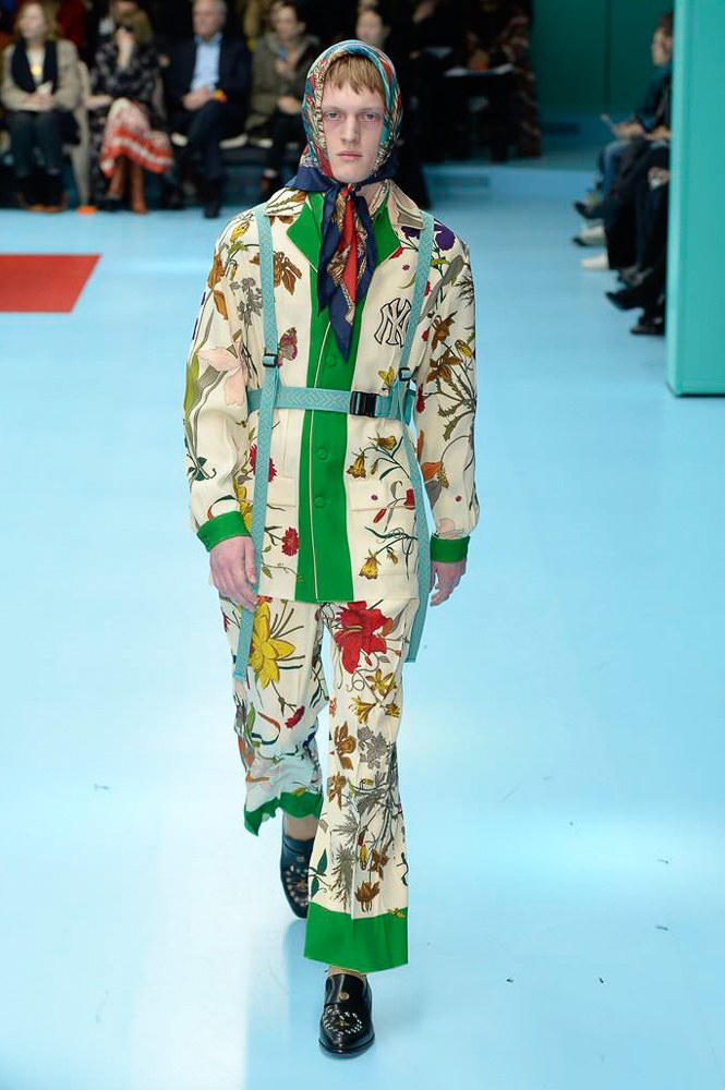 56e3acae216 Gucci 2018 Fall Winter Collection Runway Fashion Week Men s Womens  Alessandro Michele vogue