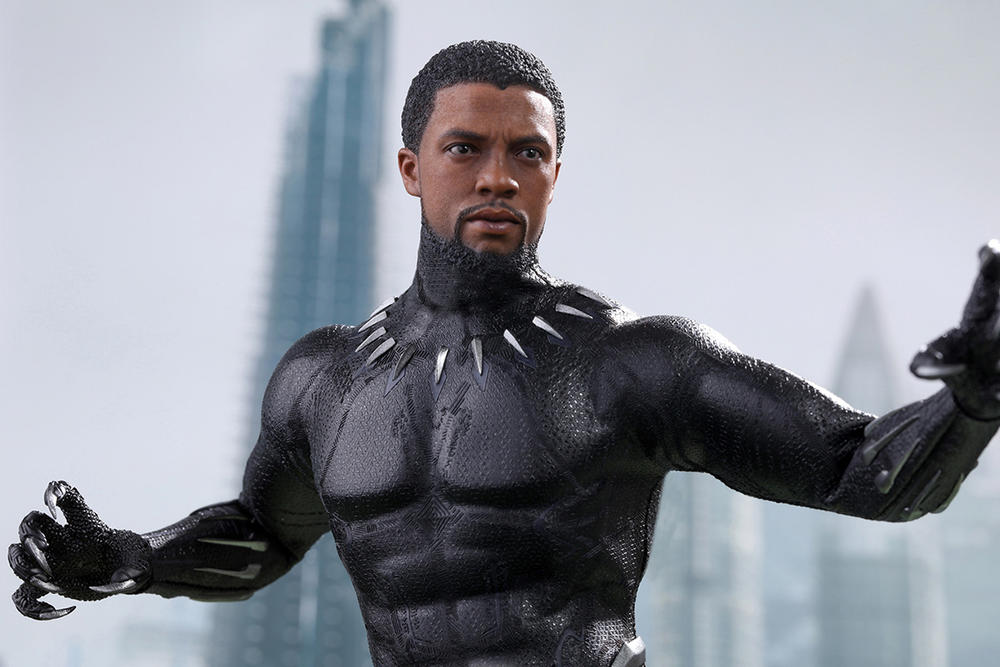 Hot Toys Black Panther T'Challa Sixth Scale 1/6th Figure