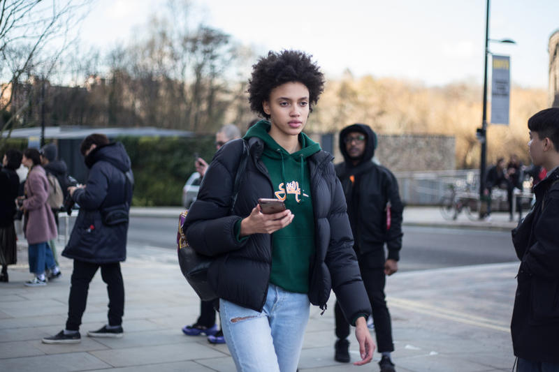 London Fashion Week Fall/Winter 2018 Streetsnaps Street Style