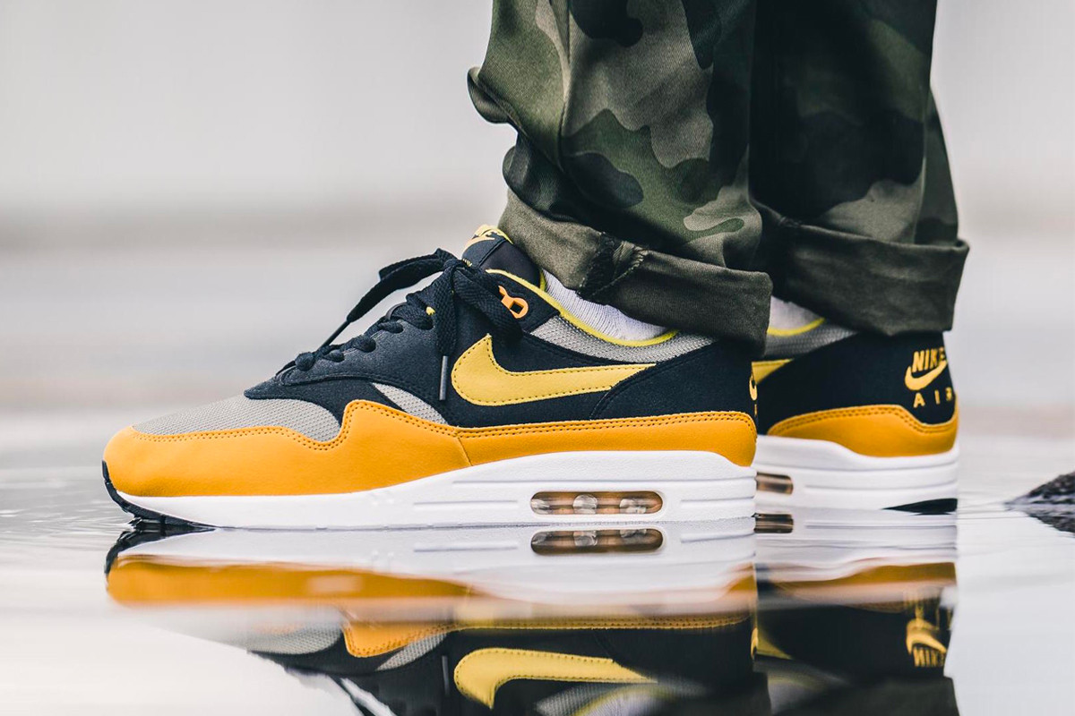 nike air max 1 grey yellow