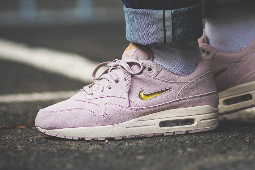 finest selection 3bfeb b14af Nike Air Max 1 Jewel