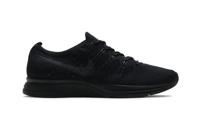 flyknit trainer all black
