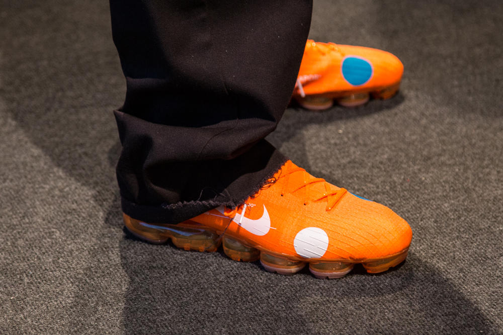 Nike OFF WHITE Mercurial Vapormax Hybrid Virgil Abloh football 2018