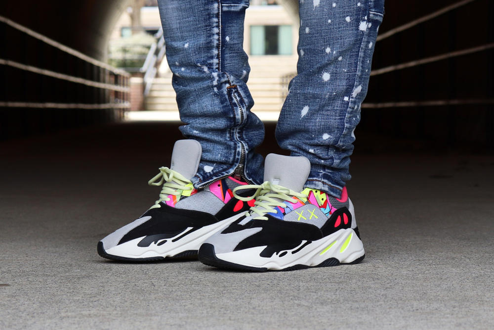 Kaws adidas Originals Yeezy Boost 700 Wave Runners Custom Sneakers Mens Womens Street Woman Man Shoes Summer Spring 2018 Grey Gray Neon Artist