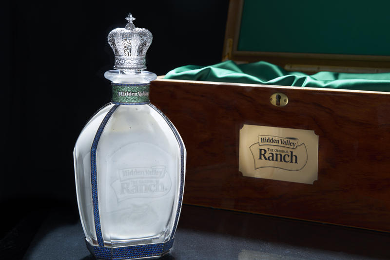 Hidden Valley National Ranch Day Bottle 35000 Diamond Sapphire 18 Carat White Gold Glass