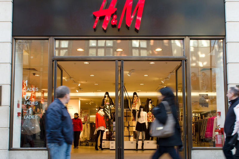 H&M Profit Drops 16 Year Low Share Price Bloomberg Graffiti scandal street art