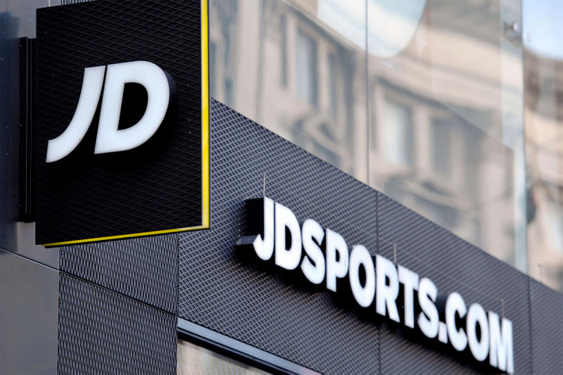 JD Sports Acquire Finish Line 558 Million USD dollars acquisition purchase sale sell march 26 2018 uk usa retailer store worldwide 1550