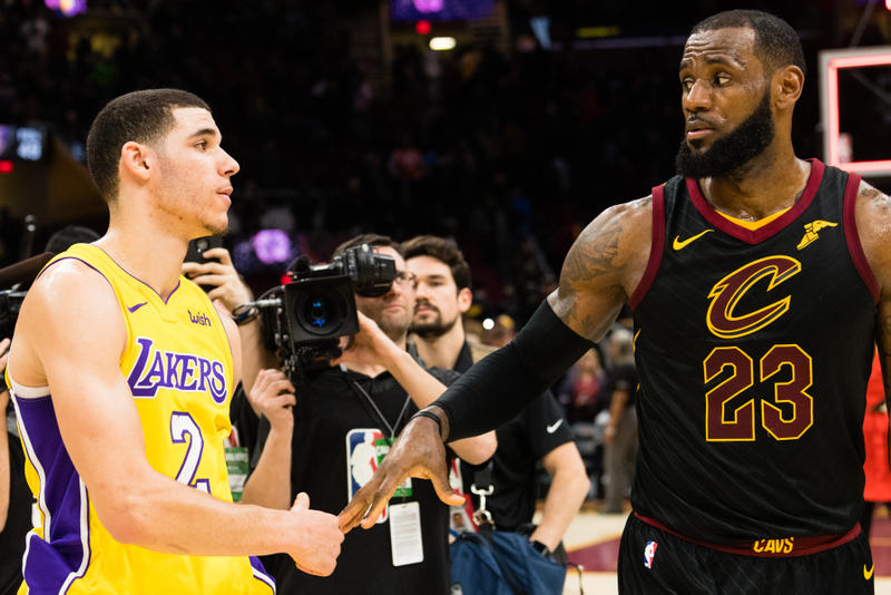 Los Angeles Lakers Fans Recruiting LeBron James With Billboards cleveland cavaliers