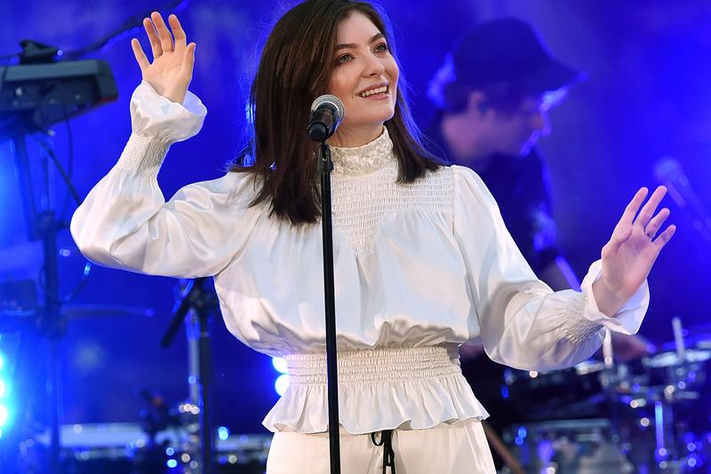 Lorde Performs Frank Oceans Solo unreleased Melodrama single