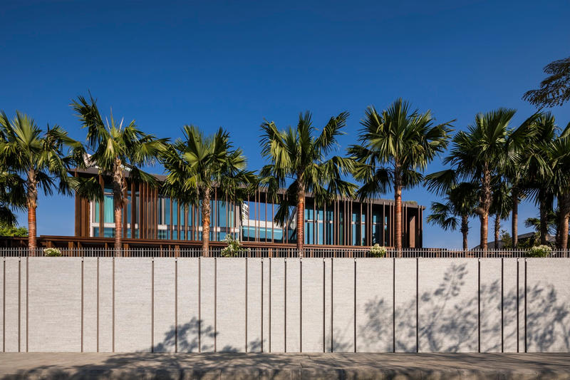 Louvers House Mia Design Studio Thảo Điền Vietnam Modern Wooden Exterior House courtyard design inspiration interior