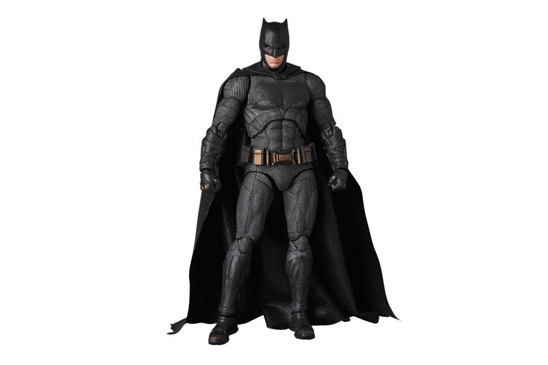 Medicom Toy Perfect studio batman mafex japan articulated figure justice league accessories gun face costume