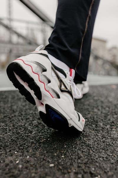 Mizuno 1906 WAVE RIDER 1 OG Sneaker Re-Release retro drop info date launch japan exclusive chunky dad sneaker shoe 1997