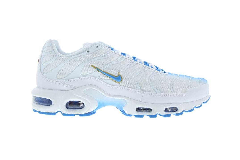 05f61b50367d Nike Drops