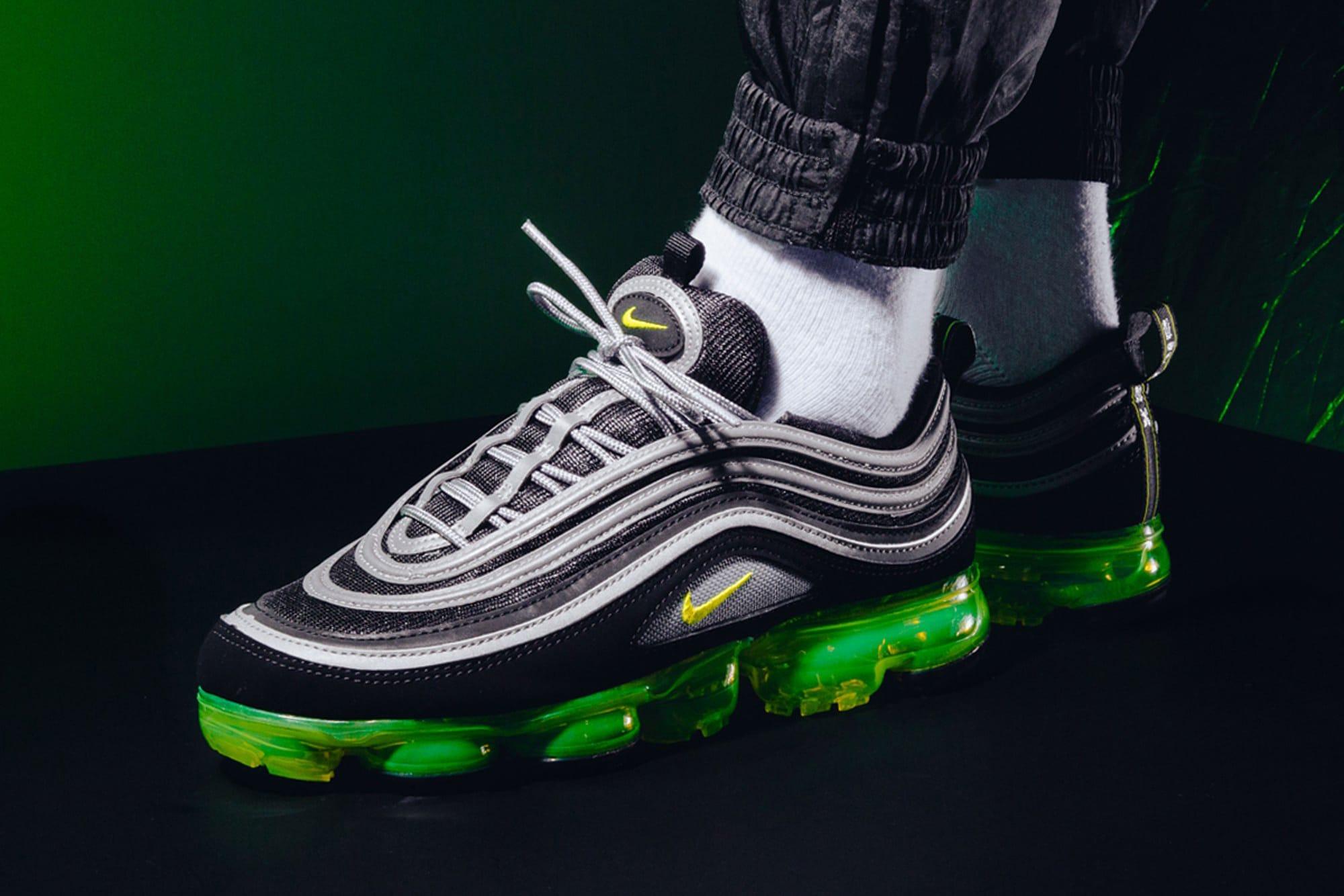 "Nike Air VaporMax 97 ""Japan"" On-Feet"