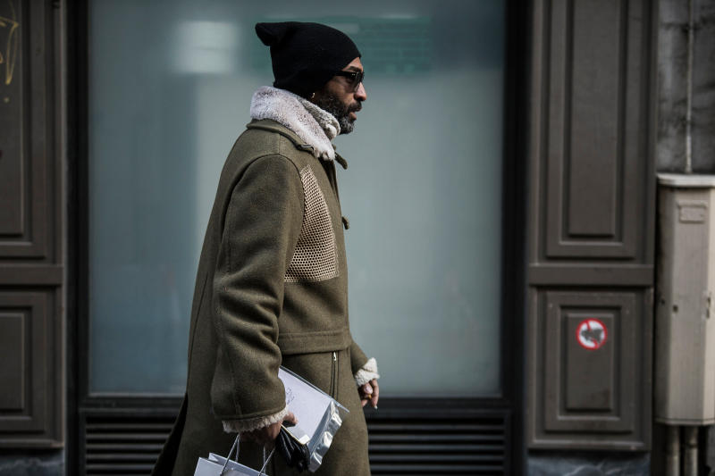 Paris Fashion Week Fall Winter 2018 Street Style street snaps