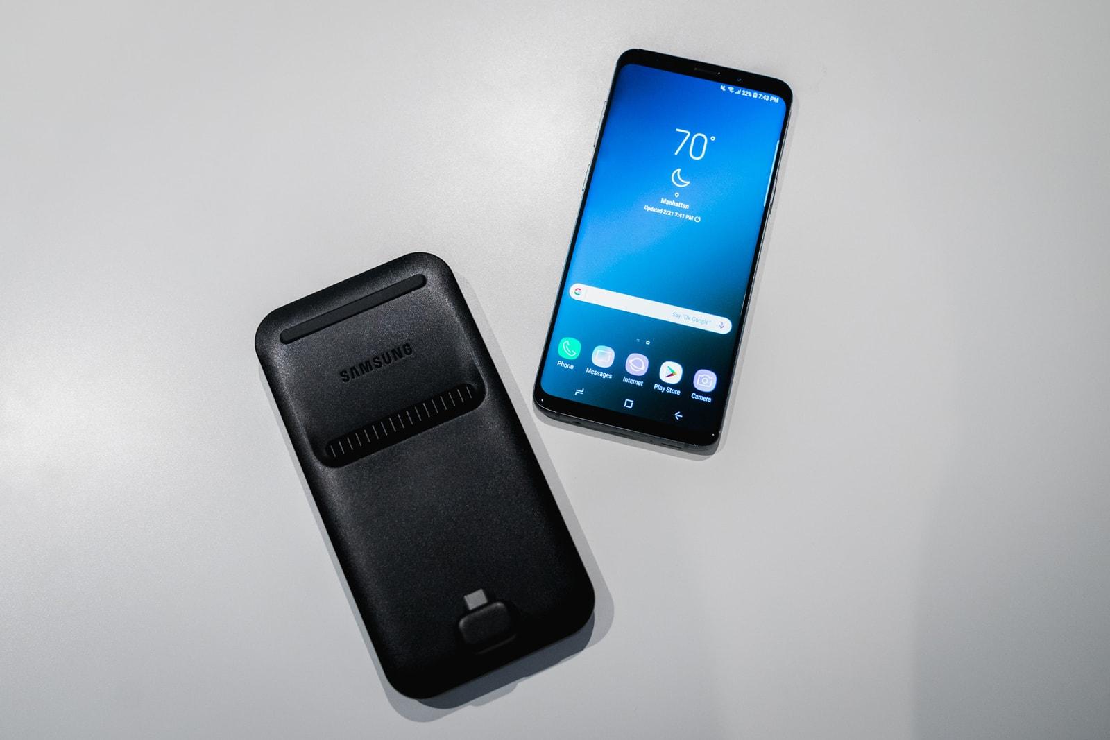 Samsung Galaxy S9 S9+ Apple iPhone X Android iOS Camera Super Slo Mo AR Emoji Animoji Photography Mobile Phone Cell Phone DeX Entertainment