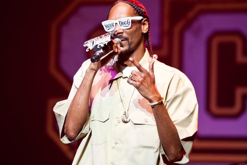 snoop-dogg-inducted-wwe-hall-of-fame