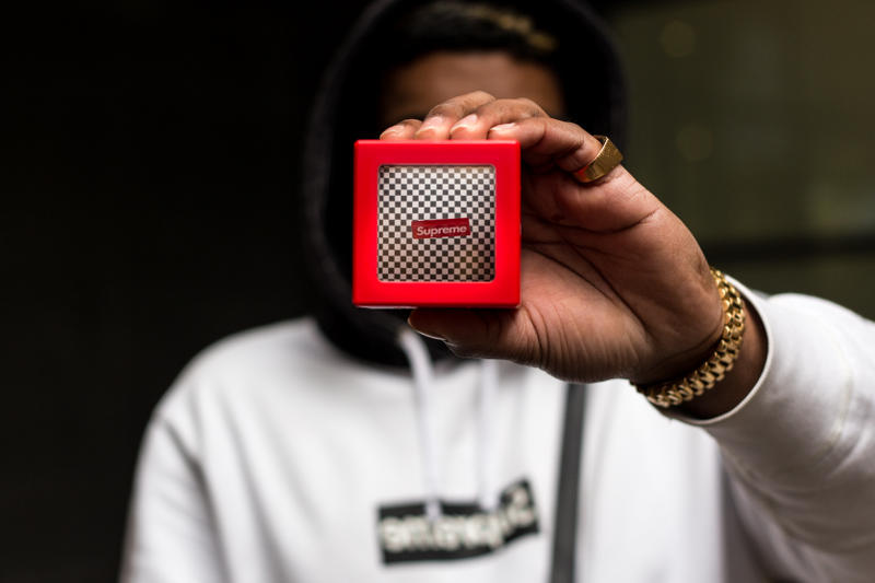 Supreme Optical Illusion Coin Bank Box Floating Logo Box Drop Release Details Information News James Jebbia Accessories