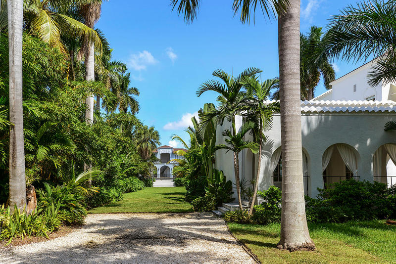 Al Capone Miami Mansion Auction Homes Houses For Sale Auction Property For Sale Gangster Homes History Luxury Homes Real Estate Townhouses Holiday Home