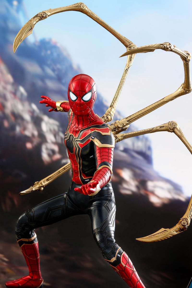 Avengers Infinity War Hot Toys Iron Spider Man Collectible Figure Tony Stark Tom Holland Marvel Action Comic