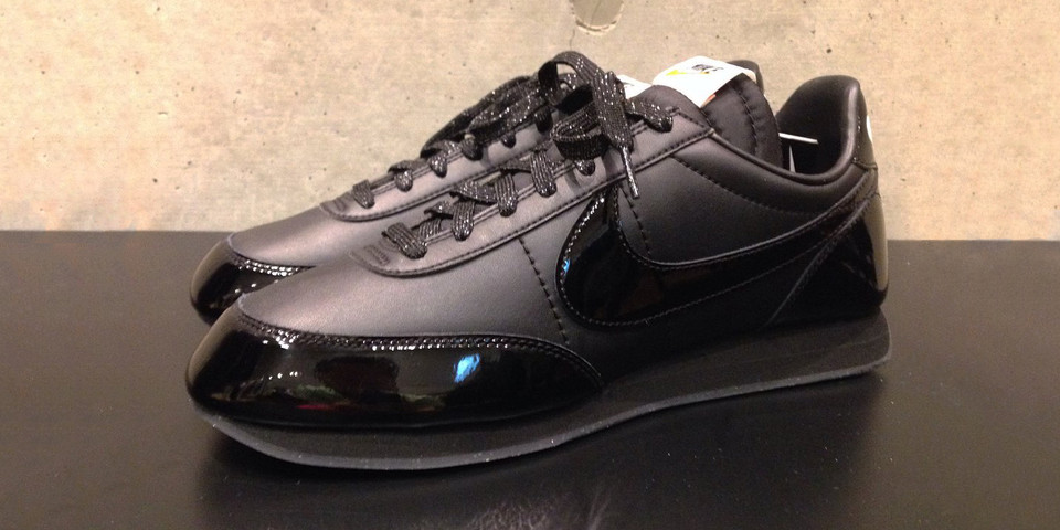 COMME des GARÇONS Black x Nike Night Track Shoe  3728c6968