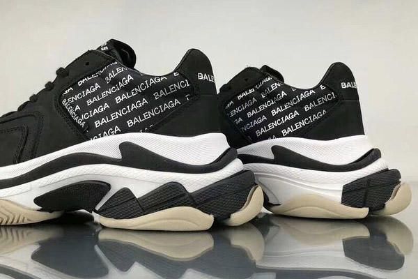 New Balenciaga Triple S Update Black White All-Over Text Print Colorway Kicks Sneakers Trainers Shoes Logo Monochrome