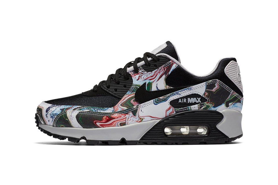 san francisco 0f3a2 65474 Nike Dips the Air Max 90 in